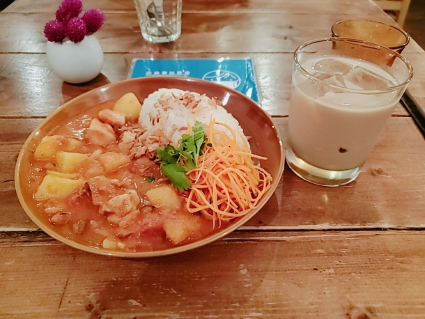 金曜よるの食堂(One Table)